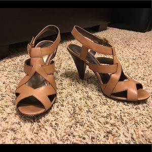 Ann Taylor tan heels